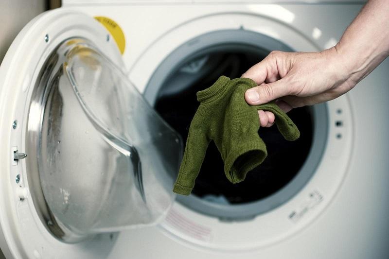 15 greseli inadmisibile in procesul spalarii pe care le comite fiecare gospodina. Iata cum mi-am distrus rochia preferata…